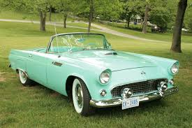 Classic Cars of the 1950's. Labeled for Reuse y Wikipedia Commons